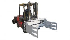 Kapëset e kamionëve Fork, që rrotullojnë Bale me Forklift