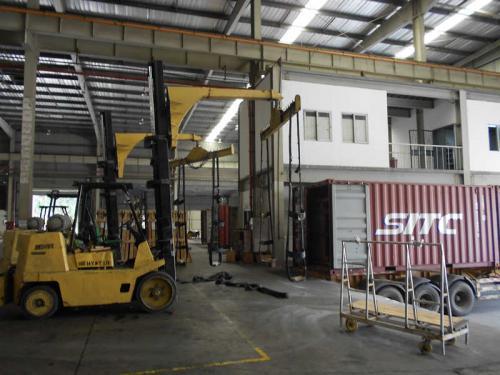 Përdorimi i bashkangjitjes së kamionëve Forklift në transportin e qelqit