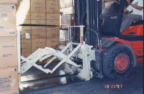 Përdorimi tërheqës Forklift Pull Attachment në industrinë e pajisjeve